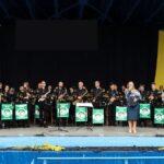 Na zdjęciu muzycy Górniej Orkiestry Dętej z Bytomia oraz witająca gości przedstawicielka SCK. Foto Monika Bilska