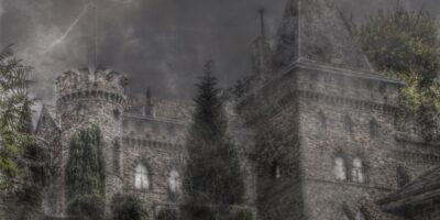 Zamek w mglistą noc